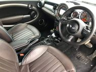 MINI CONVERTIBLE COOPER S HIGHGATE - 1649 - 6
